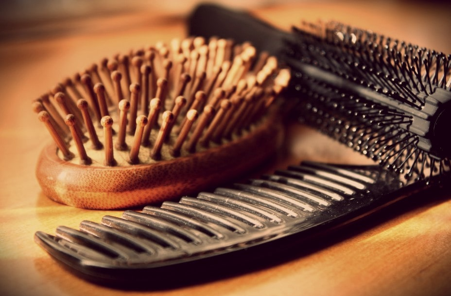 ultimate guide about how to clean a hairbrush